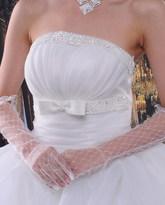 Перчатки и боа - Белые ажурные перчатки выше локтя