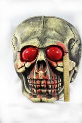Зомби и Призраки - Череп с красными глазами