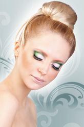 Грим для лица - Ресницы с зелеными кристаллами